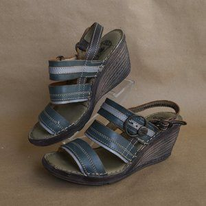 * FLY LONDON Salm Wedge Leather Sandal 8